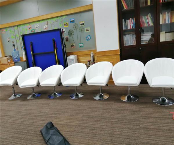 深圳锦绣大厦 沙发转椅