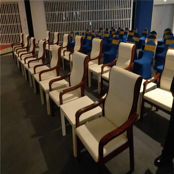 上海绿地全球贸易港 会议椅+宴会椅赁 千亿体育下载现场摆放图